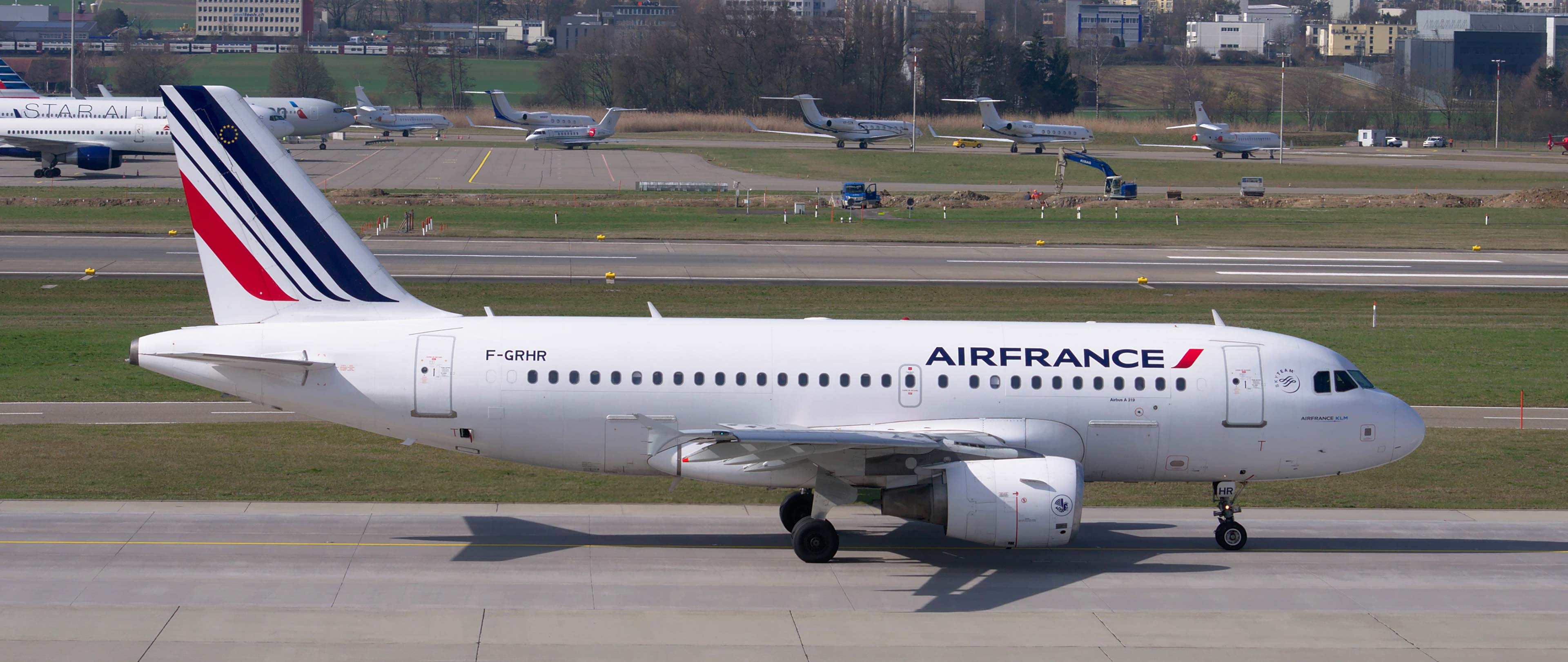 Air France staff call for strike